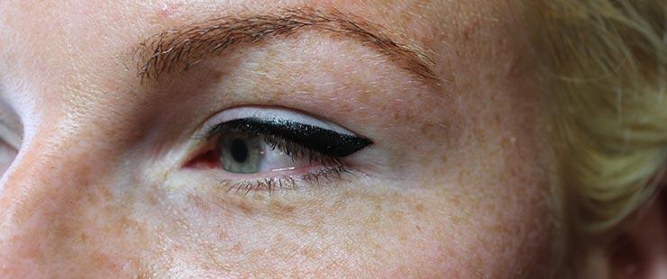 Bold Dramatic Semi Permanent Eyeliner